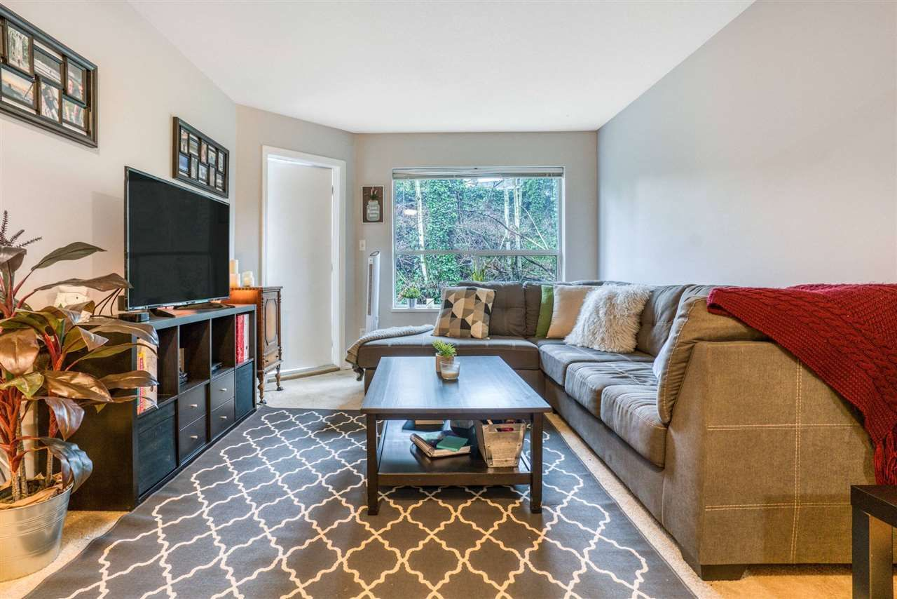 """Main Photo: 305 2535 HILL-TOUT Street in Abbotsford: Abbotsford West Condo for sale in """"WOODRIDGE ESTATES"""" : MLS®# R2543242"""