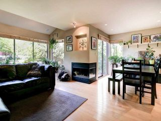 """Photo 4: 4787 DRIFTWOOD Place in Burnaby: Greentree Village Townhouse for sale in """"GreenTree Village"""" (Burnaby South)  : MLS®# R2576696"""