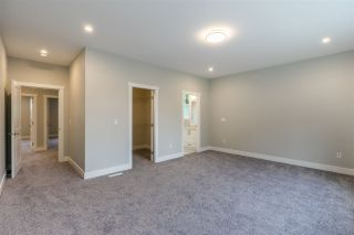 Photo 11: 4851 201A STREET in Langley: Brookswood Langley House for sale : MLS®# R2508520