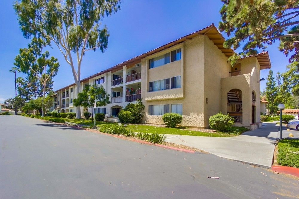 Main Photo: MISSION VALLEY Condo for sale : 2 bedrooms : 10737 San Diego Mission #318 in San Diego