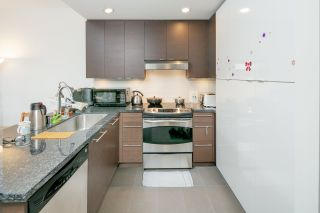 "Photo 10: PH2 3478 WESBROOK Mall in Vancouver: University VW Condo for sale in ""Spirit"" (Vancouver West)  : MLS®# R2360430"