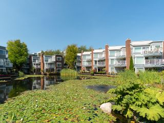 """Photo 36: 1594 ISLAND PARK Walk in Vancouver: False Creek Townhouse for sale in """"THE LAGOONS"""" (Vancouver West)  : MLS®# R2297532"""