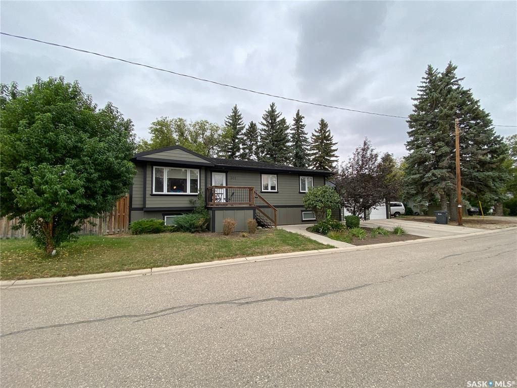 Main Photo: 301 Bell Street in Indian Head: Residential for sale : MLS®# SK867429