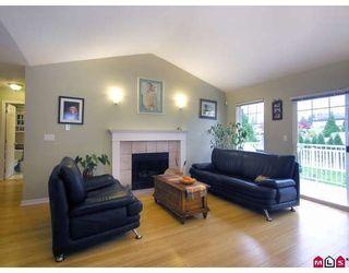 "Photo 2: 21 20788 87TH Avenue in Langley: Walnut Grove Townhouse for sale in ""KENSINGTON VILLAGE"" : MLS®# F2830864"