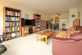 """Photo 2: 903 615 BELMONT Street in New Westminster: Uptown NW Condo for sale in """"BELMONT TOWERS"""" : MLS®# R2152611"""