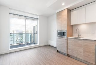 """Photo 9: 3107 13615 FRASER Highway in Surrey: Whalley Condo for sale in """"KING GEORGE HUB"""" (North Surrey)  : MLS®# R2617610"""