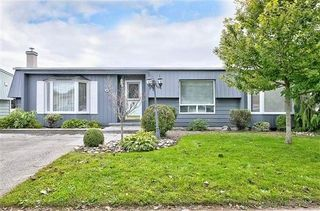 Photo 1: 97 The Cove  Rd in Clarington: Newcastle Freehold for sale : MLS®# E5388752