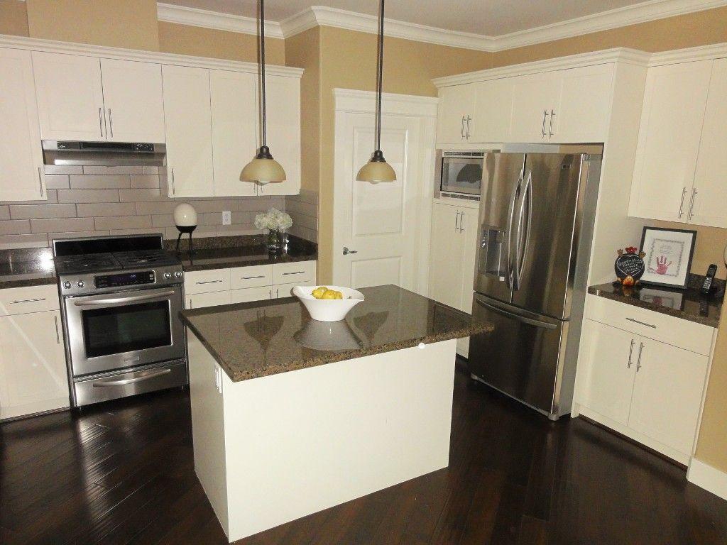"Photo 12: Photos: 5980 163B Street in Surrey: Cloverdale BC House for sale in ""WESTRIDGE ESTATES"" (Cloverdale)  : MLS®# R2057890"