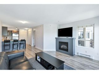 "Photo 7: 403 8915 202 Street in Langley: Walnut Grove Condo for sale in ""Hawthorne"" : MLS®# R2596727"