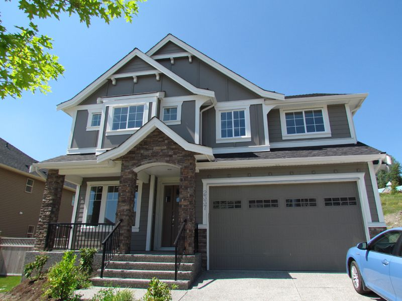 Main Photo: 2337 CHARDONNAY LANE in ABBOTSFORD: House for rent