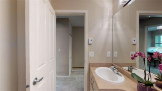 """Photo 11: 138 6747 203 Street in Langley: Willoughby Heights Townhouse for sale in """"Sagebrook"""" : MLS®# R2396835"""