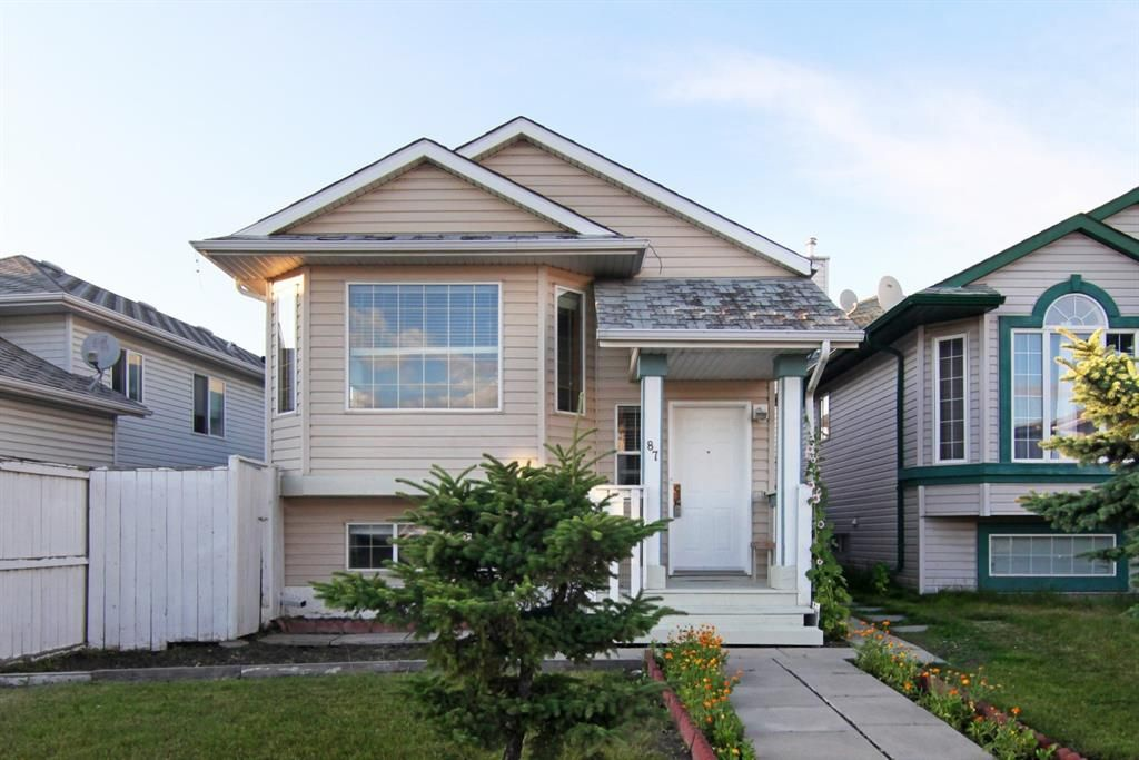 Main Photo: 87 SAN DIEGO Place NE in Calgary: Monterey Park Detached for sale : MLS®# A1019897