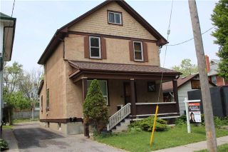 Photo 1: 118 Tylor Crest in Oshawa: Central House (2 1/2 Storey) for sale : MLS®# E3242326