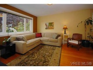 Photo 2: 1044 Redfern St in VICTORIA: Vi Fairfield East House for sale (Victoria)  : MLS®# 518219