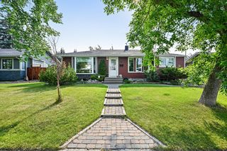 Main Photo: 66 Gladeview Crescent SW in Calgary: Glamorgan Detached for sale : MLS®# A1132872