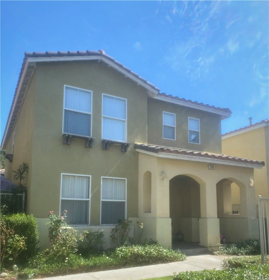 Main Photo: 203 Cancion Way in Los Angeles: Residential for sale (BOYH - Boyle Heights)  : MLS®# PW21223680