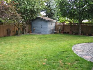 """Photo 15:  in Surrey: Panorama Ridge House for sale in """"Boundary Park"""" : MLS®# F2722878"""