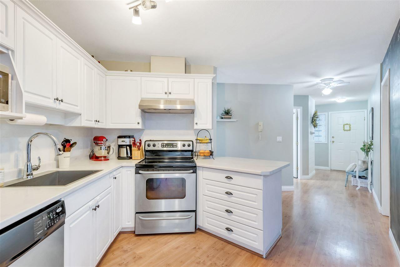 Photo 5: Photos: 308 5765 VEDDER Road in Chilliwack: Vedder S Watson-Promontory Condo for sale (Sardis)  : MLS®# R2565361