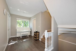 """Photo 16: 3 9000 ASH GROVE Crescent in Burnaby: Forest Hills BN Townhouse for sale in """"Ashbrook Place"""" (Burnaby North)  : MLS®# R2615088"""