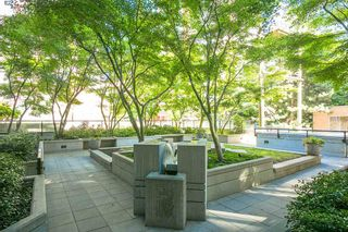 """Photo 15: 307 988 RICHARDS Street in Vancouver: Yaletown Condo for sale in """"TRIBECA"""" (Vancouver West)  : MLS®# R2202048"""