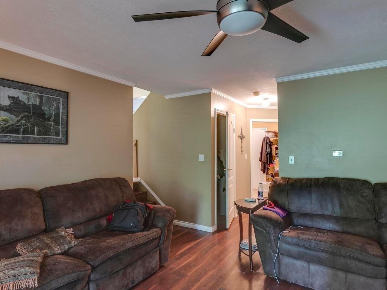 "Photo 13: Photos: 21374 RIVER Road in Maple Ridge: Southwest Maple Ridge House for sale in ""River Road"" : MLS®# R2600142"