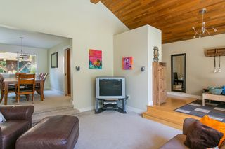 Photo 4: 3383 ROBINSON ROAD in North Vancouver: Lynn Valley House for sale : MLS®# R2096046