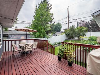 Photo 2: 49 Warwick Drive SW in Calgary: Westgate Detached for sale : MLS®# A1131664