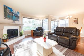 Photo 3: 8 1309 McKenzie Ave in : SE Cedar Hill Row/Townhouse for sale (Saanich East)  : MLS®# 866326