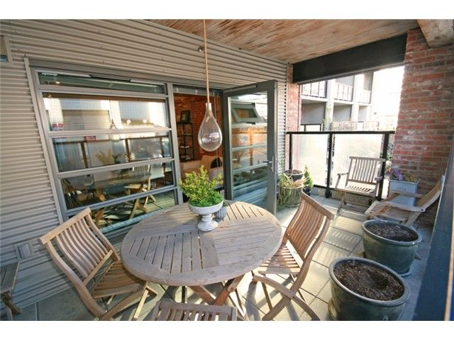 """Photo 2: Photos: 106 388 W 1ST Avenue in Vancouver: False Creek Condo for sale in """"The Exchange"""" (Vancouver West)  : MLS®# V1115202"""