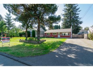 "Photo 2: 10125 HELEN Drive in Surrey: Cedar Hills House for sale in ""ST HELENS"" (North Surrey)  : MLS®# R2112637"