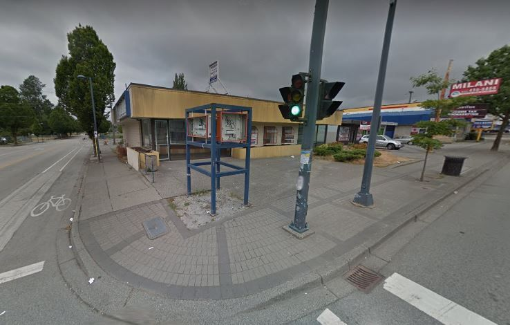 Main Photo: 10565 KING GEORGE Boulevard in Surrey: Whalley Retail for sale (North Surrey)  : MLS®# C8016382