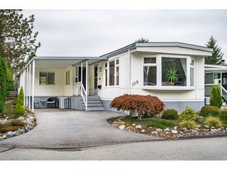 """Photo 1: 108 15875 20 Avenue in Surrey: King George Corridor Manufactured Home for sale in """"Sea Ridge Bays"""" (South Surrey White Rock)  : MLS®# R2512573"""