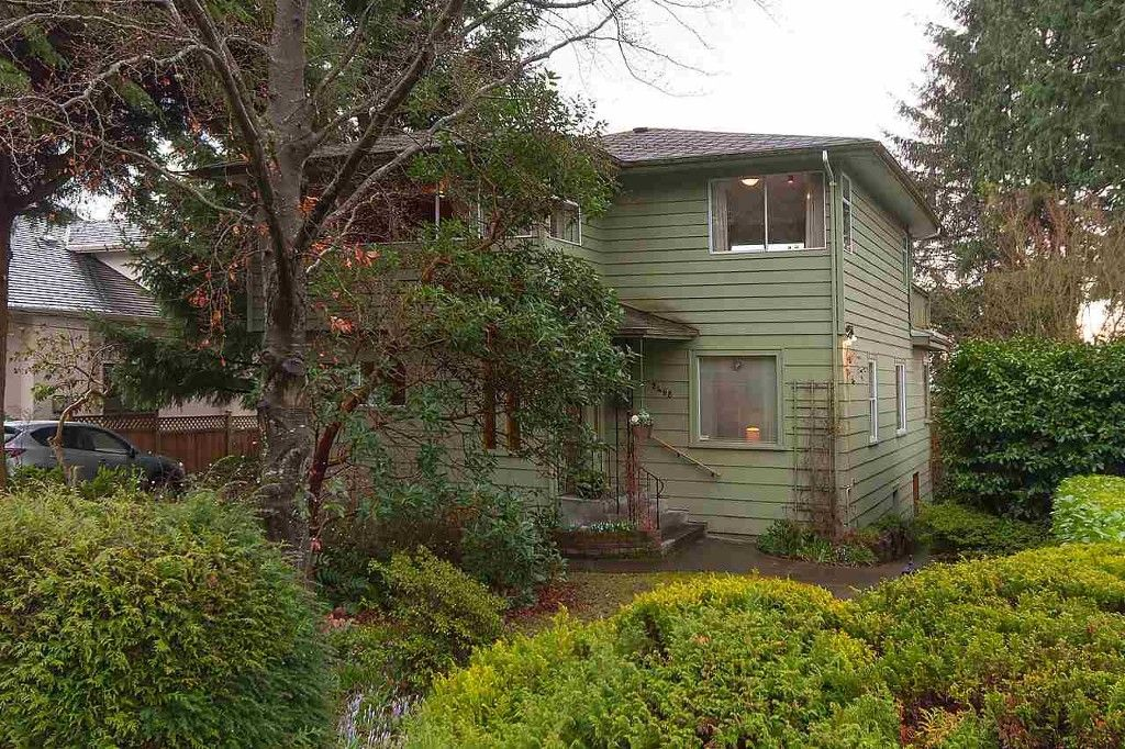 Main Photo: 2468 LAWSON AVE in West Vancouver: Dundarave House for sale : MLS®# R2034624