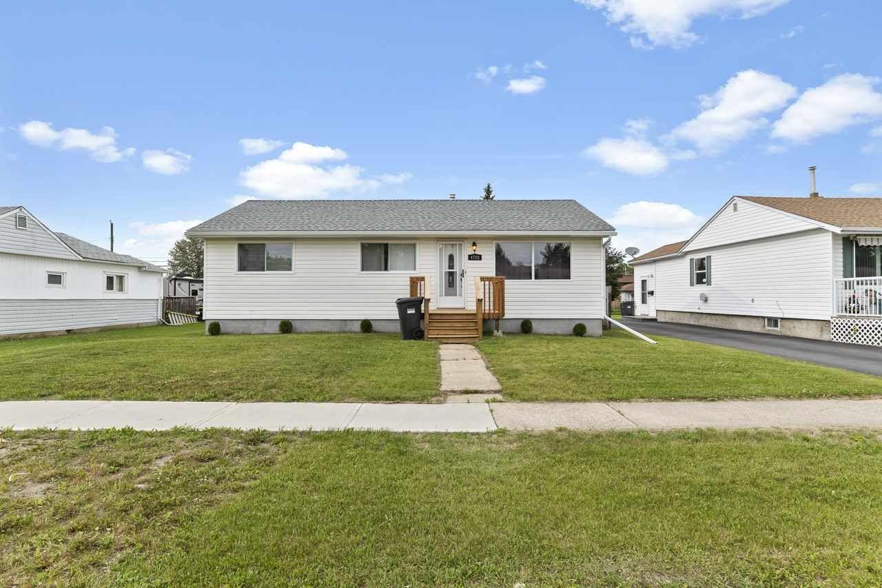 Main Photo: 4728 49 Avenue: Cold Lake House for sale : MLS®# E4204000