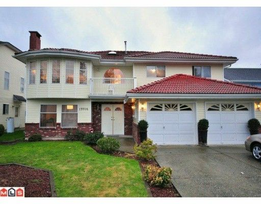 Main Photo: 13916 90A Avenue in Surrey: Bear Creek Green Timbers House for sale : MLS®# F1001200