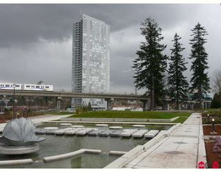 """Photo 1: 1501 13618 100 Street in Surrey: Whalley Condo for sale in """"Infinity I"""" (North Surrey)  : MLS®# F2807184"""