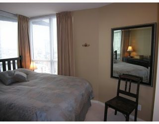 """Photo 5: 1907 1199 SEYMOUR Street in Vancouver: Downtown VW Condo for sale in """"BRAVA"""" (Vancouver West)  : MLS®# V742072"""