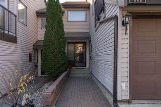 Photo 3: 111 GRANDIN Woods Estates: St. Albert Townhouse for sale : MLS®# E4266158