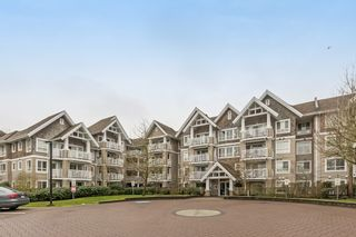 "Photo 1: 319 20750 DUNCAN Way in Langley: Langley City Condo for sale in ""FAIRFIELD LANE"" : MLS®# R2145506"
