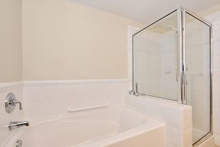 """Photo 16: 306 3088 W 41ST Avenue in Vancouver: Kerrisdale Condo for sale in """"THE LANESBOROUGH"""" (Vancouver West)  : MLS®# R2339683"""