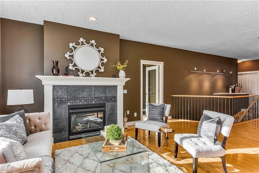 Photo 18: Photos: 73 DISCOVERY WOODS Villa SW in Calgary: Discovery Ridge Semi Detached for sale : MLS®# C4218779