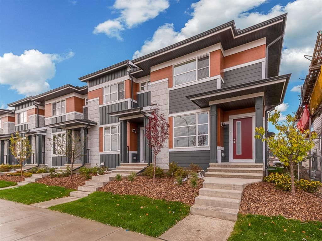 Main Photo: 100 Skyview Parade NE in Calgary: Skyview Ranch Row/Townhouse for sale : MLS®# A1070526