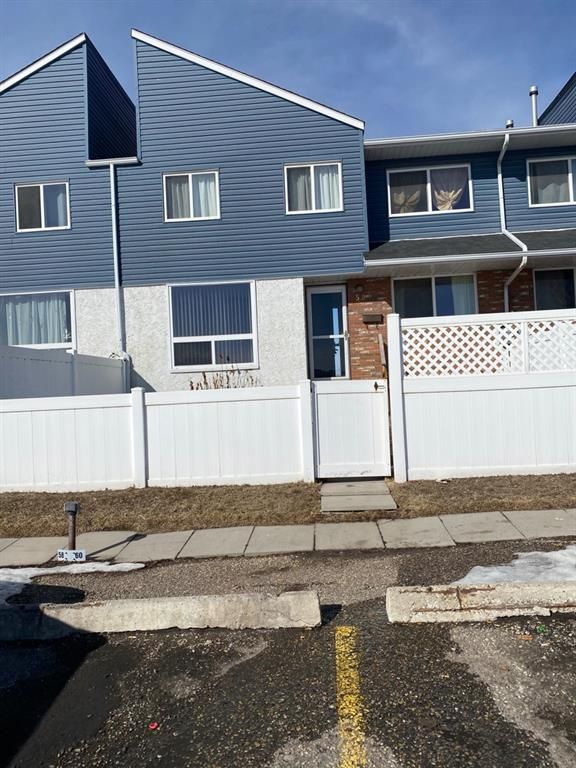 Main Photo: 58 4769 Hubalta Road SE in Calgary: Dover Row/Townhouse for sale : MLS®# A1074582