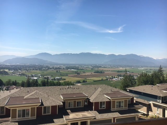 Main Photo: 120 6026 LINDEMAN Street in Chilliwack: Promontory Townhouse for sale (Sardis)  : MLS®# R2538101