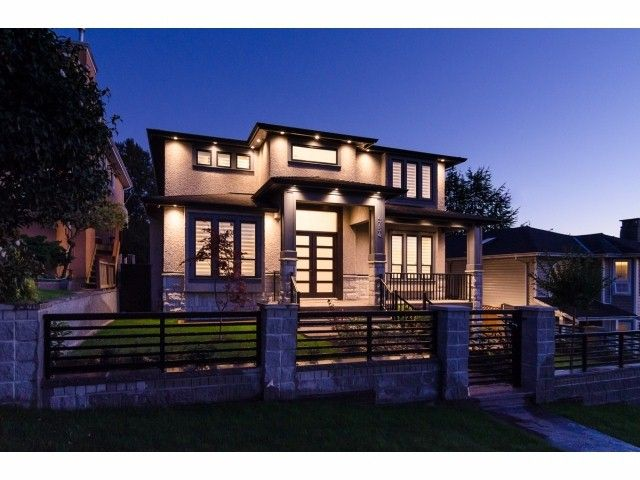 Main Photo: 4754 CAMBRIDGE Street in Burnaby: Capitol Hill BN House for sale (Burnaby North)  : MLS®# V1083736