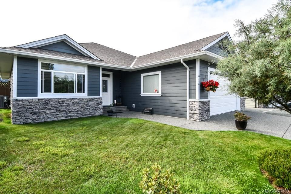 Built in 2010.  1700sq ft rancher with RV parking and heat pump