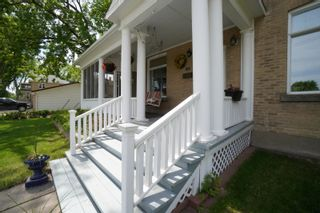 Photo 2: 139 Royal Road S in Portage la Prairie: House for sale : MLS®# 202113482