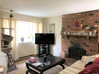 Photo 3: 1 211 Buttertubs Pl in : Na University District Row/Townhouse for sale (Nanaimo)  : MLS®# 875172