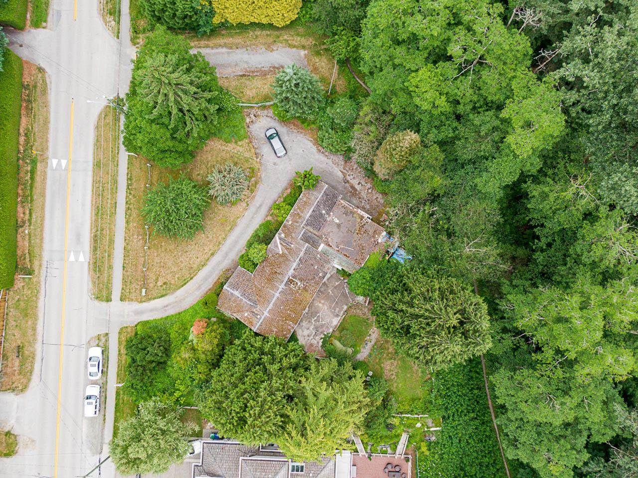 Main Photo: 12136 NEW MCLELLAN Road in Surrey: Panorama Ridge House for sale : MLS®# R2595640