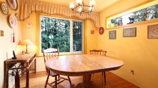 Photo 4: 2872 WEMBLEY DRIVE in North Vancouver: Westlynn Terrace House for sale : MLS®# R2035461